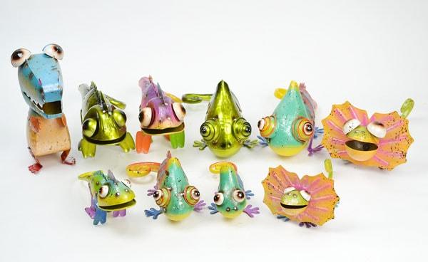 カラフルブリキカメレオンLサイズカラーブリキ置物