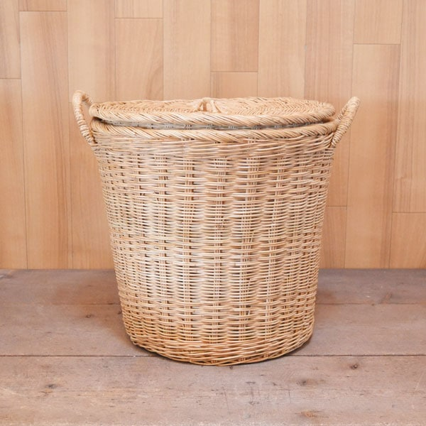 タイ製ラタンふた付きランドリーバスケット