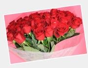 大輪のバラの花束で!