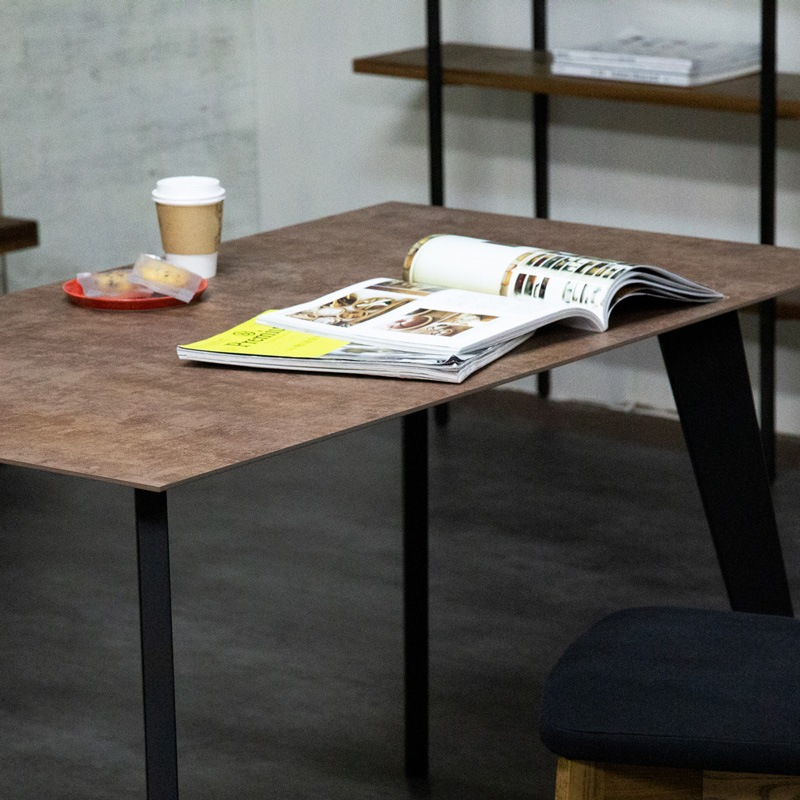エムジーズダイニングテーブル イメージ