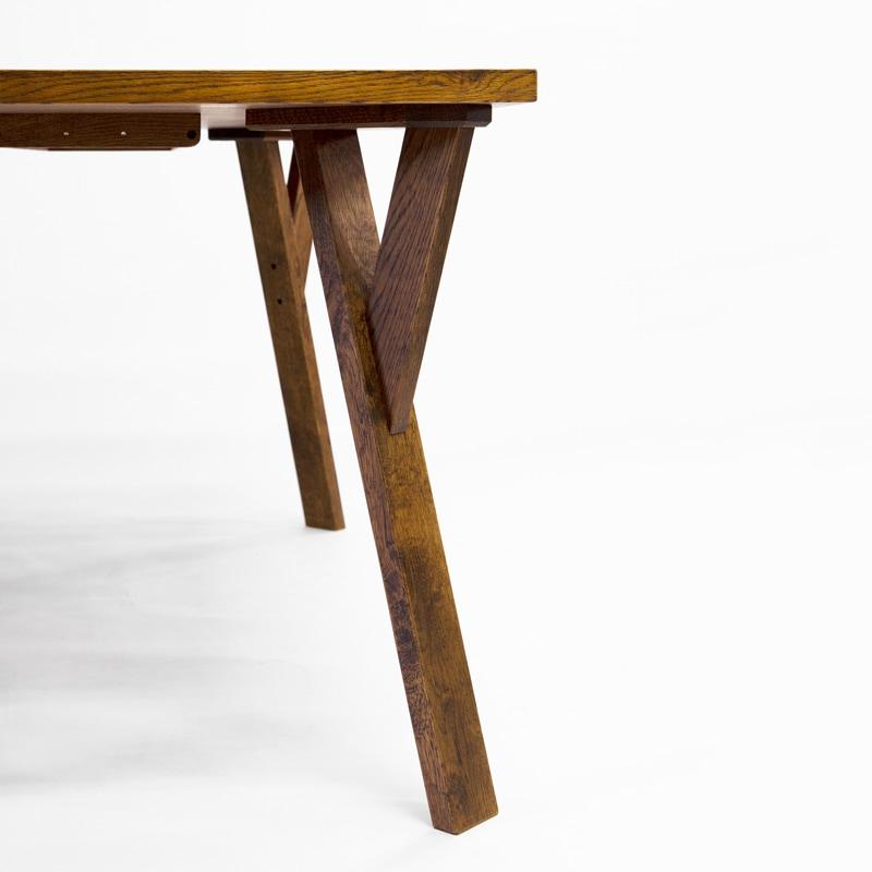 ノーマンダイニングテーブル 脚