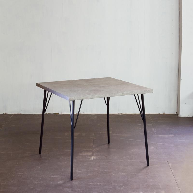 ティーボーンダイニングテーブル モルタル 幅80×奥行80×高さ70cm