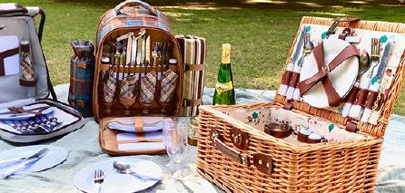 食材や遊び道具、毛布や折り畳み椅子など、大小様々なアイテムを収納できる野外バッグ。丈夫で使い勝手の良いものを集めました。