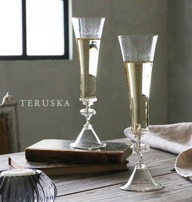 ボヘミアのガラス職人によって作られたTERUSKA