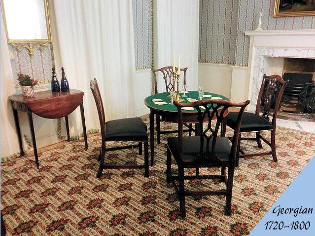 ジョージアン様式のアンティーク家具の部屋の画像