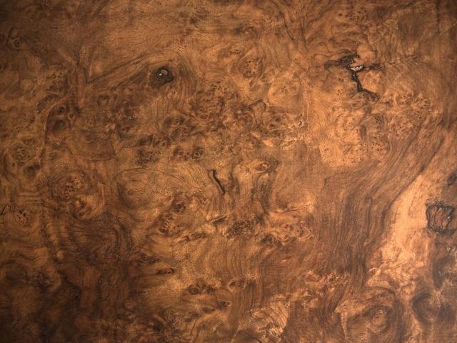 ウォルナットの材木の画像その一