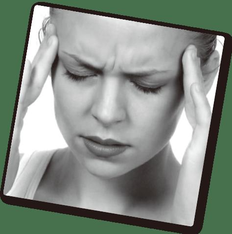 偏頭痛に悩む人の写真
