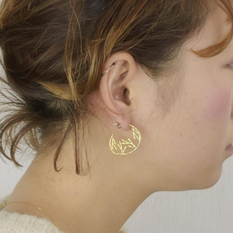 真鍮 生地 リーフ 葉模様 ピアス ペア 可愛い 高級感 お洒落 ゴールド プレゼント ギフト