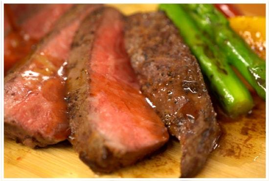 塊肉の焼き方【バター香るモモステーキ】