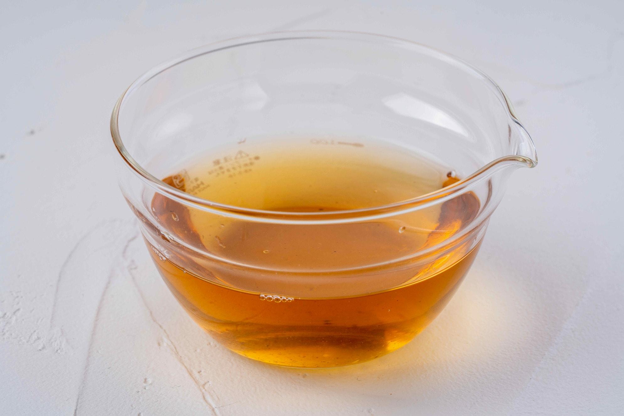 北海道産の乾燥原木椎茸からとった濃厚な出汁,シイタケだし