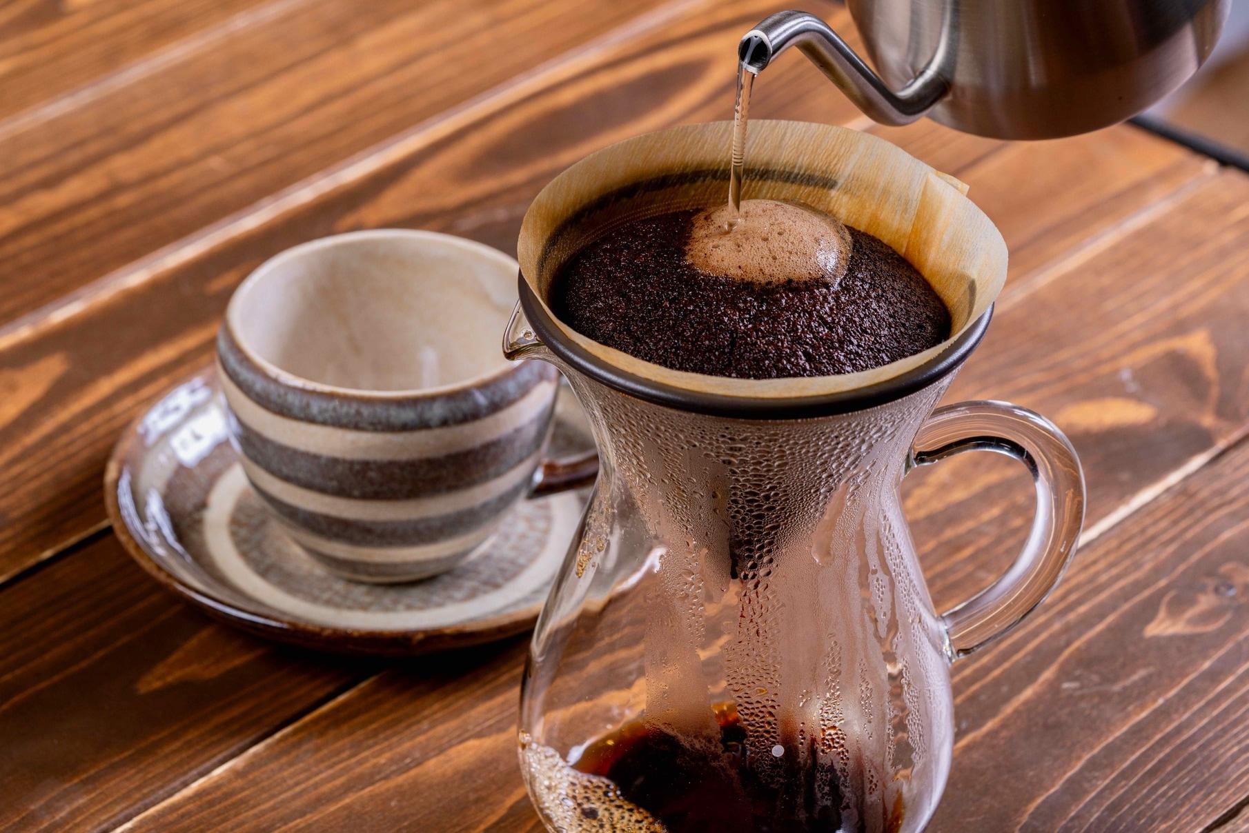 ハンドドリップコーヒーを淹れる、徳光珈琲のスペシャルティコーヒー