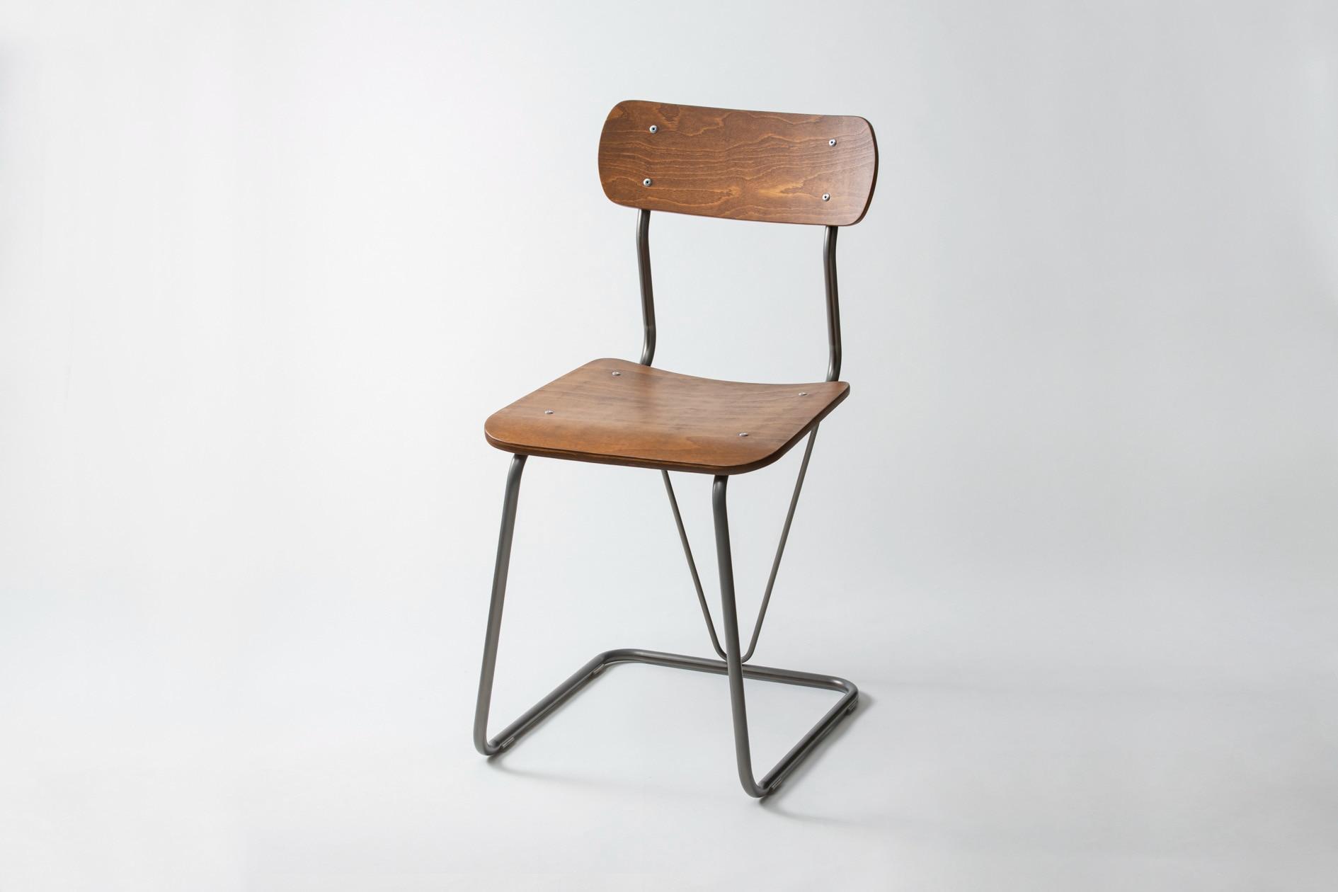 株式会社イチムラの学校用椅子A-100(復刻版)のclear/brown,学校で使った懐かしいイス