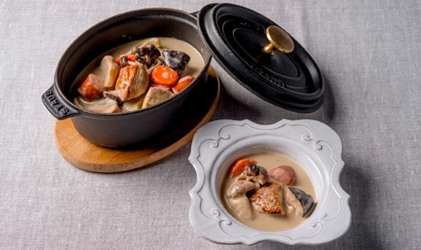 地鶏ときのこのフレンチ・ポタージュ鍋、トリュフの香り