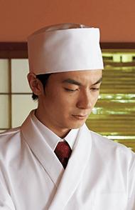 和帽子を選ぶ
