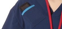右胸にPHSポケット付。ブルーのラインが入っています。