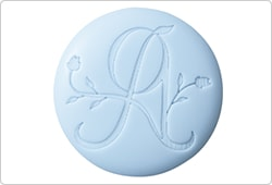 アプロンのロゴを入れたオリジナルボタン。