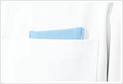 胸ポケットにはPHSが落ちにくいニット生地を使用した内ポケットを付けています。