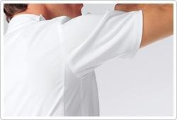 腕の前後運動に伴う不快な突っ張り感の軽減と共に快適な動作環境を確保します。