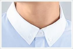 清潔感と若々しさのあるボタンダウンの白衿。