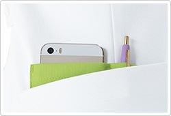 ペン差しと携帯端末対応ポケット付