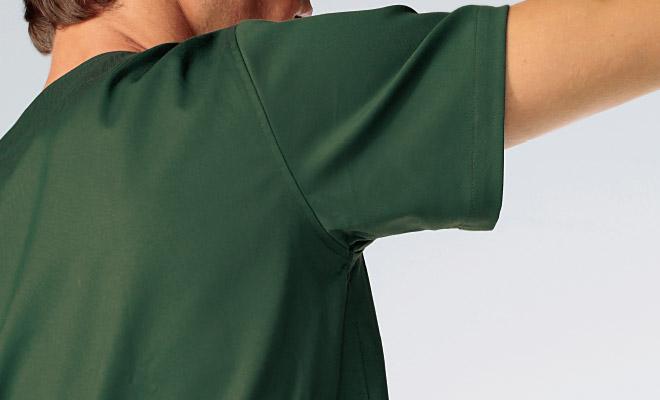 腕の上下運動に伴う不快な突っ張り感の軽減と共に快適な動作環境を確保します。