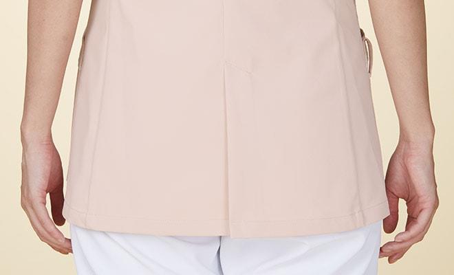 後ろ裾に、動きやすいセンターベント入り。