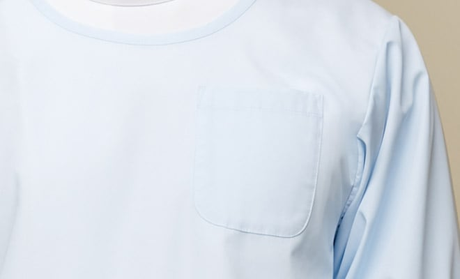 左胸ポケット付。