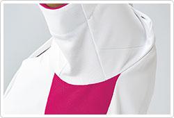 袖の内側部分をメッシュ素材に切り替え。通気性がよく快適。