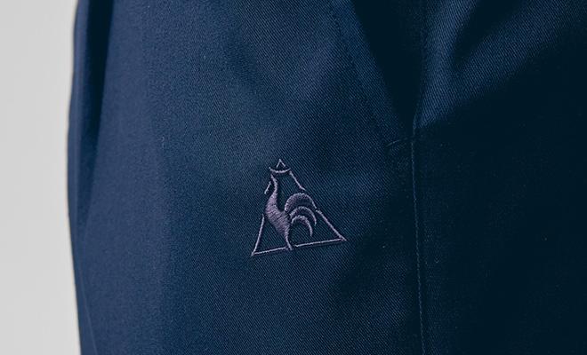 左ポケット部分にルコックロゴ刺しゅう入り。