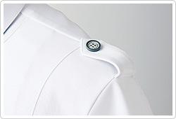 肩章付きデザイン