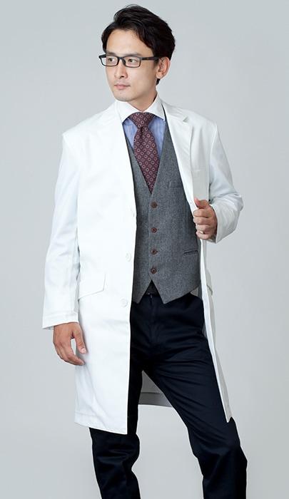 男性ドクターの白衣のコーディネート1