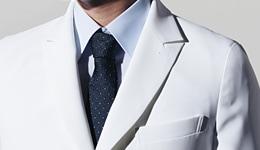 シャープで端正な襟デザインのイメージ