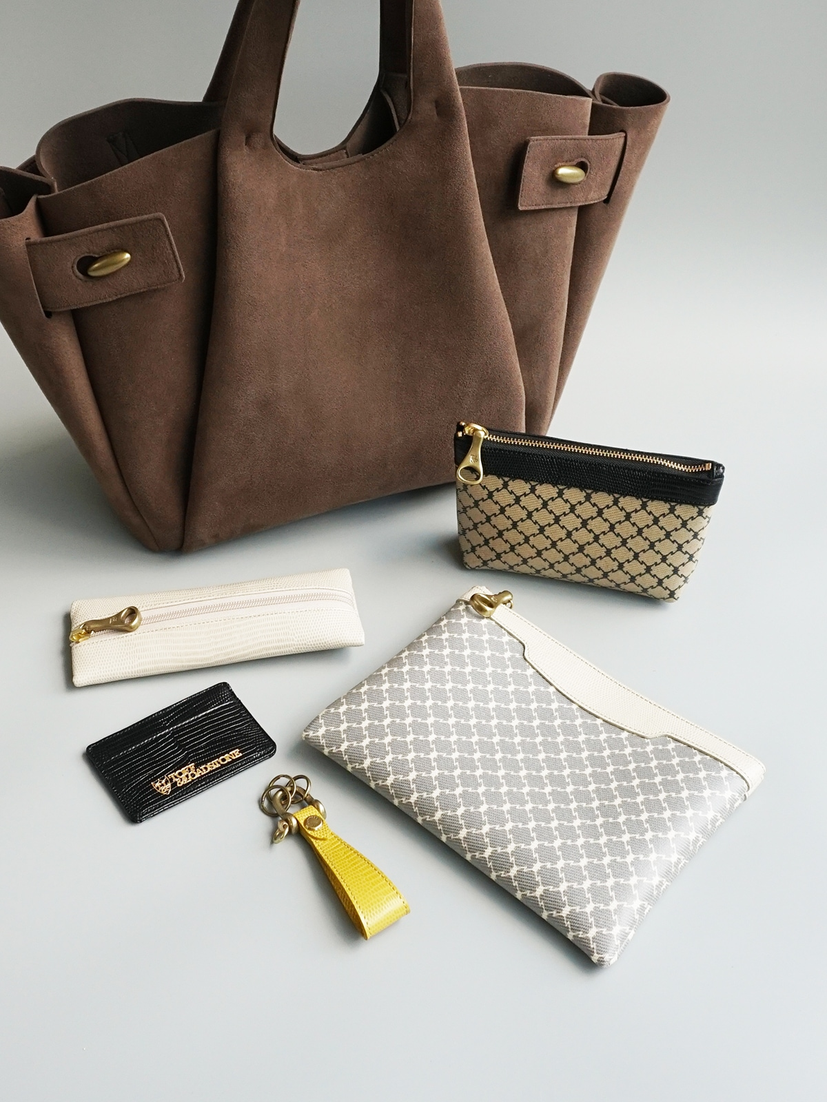 上質かつ洗練された小物やWEB限定バッグをご紹介 ONLINE STORE LIMITED