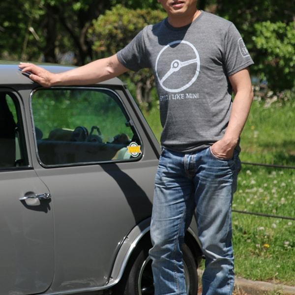 クラシックミニ ステアリング Tシャツ(チャコール/ホワイト)