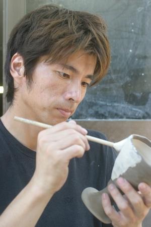 益子焼 作家 陶芸家 横山真也 益子焼窯元よこやま 布目ぶどう 刷毛目つゆ草 しのぎ 西洋風 いっちん