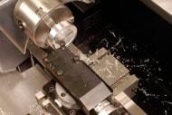万能精密旋盤コンパクト7による端面切削、トップスライド使用