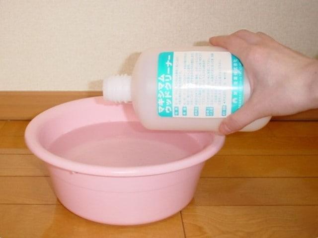 床の洗浄は「ウッドクリーナー」を使用