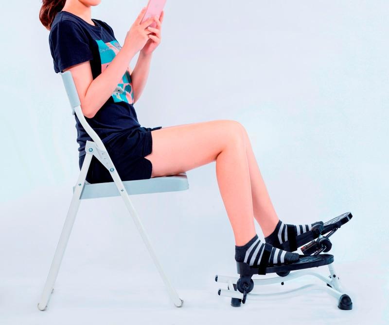 椅子運動 ムーブコアエクササイザ— 使用イメージ