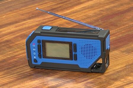 1台5役 防水4WAY電源ラジオライト