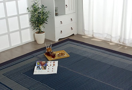 洗練されたデザインだから様々なお部屋やインテリアになじみます。