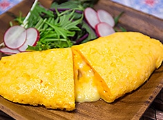 中からチーズがトロリ♪ギー香る、とろふわオムレツ