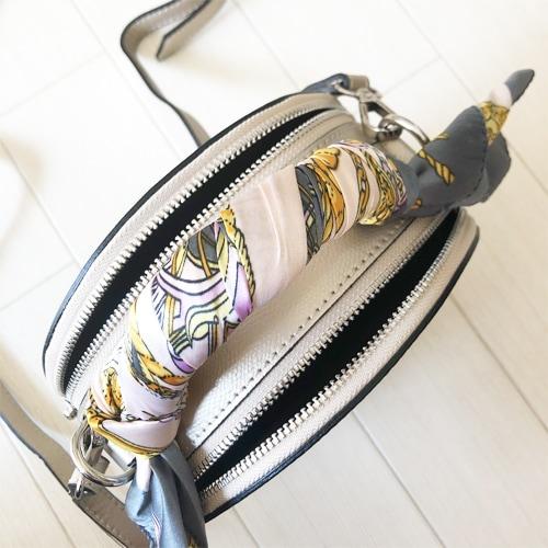 フランスブランドの高級本革ショルダーバッグ。レザーの高級感とミニポシェットのちょうどよいサイズ。華やかなシャンパンゴールド。フレデリックテー。横浜フランス雑貨ラメゾンドレイル公式通販