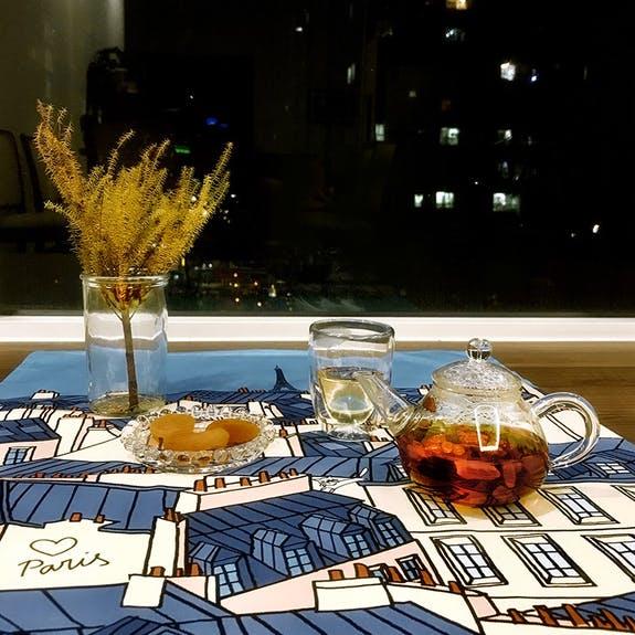パリの屋根とエッフェル塔のティータオル。日本初上陸のブランド「BIRDIE」から。横浜山手フランス雑貨ラメゾンドレイル