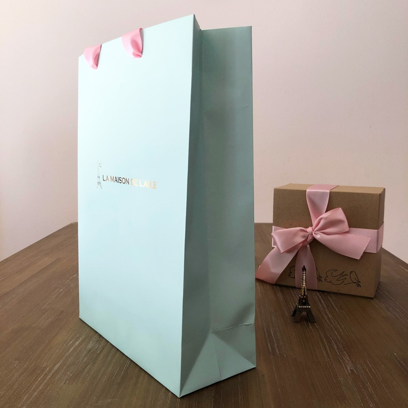 おしゃれなギフトバッグ通販。入れるだけでかわいいラッピングに。ピンクのリボンとミントカラーがかわいいギフトバッグです