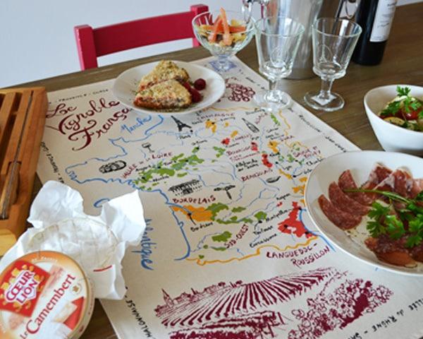 フランスワインの地図のティータオル通販。フランスワインの産地マップをポスター・水切りに。ギフトにもおすすめ。レストランやカフェの開業祝に