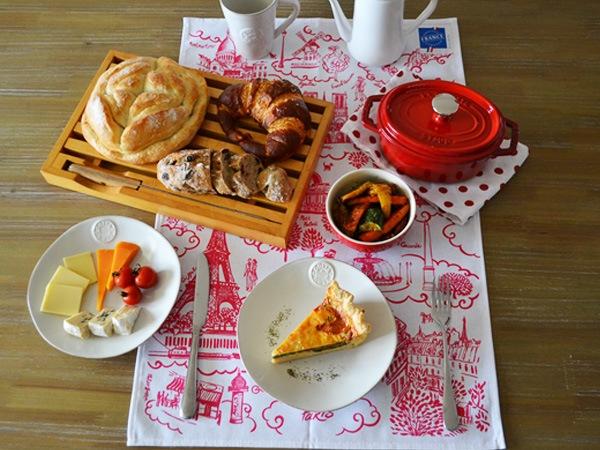 可愛い輸入雑貨通販ラメゾンドレイルおすすめのフランス製ティータオル。パリの観光名所がのったかわいいティータオルはプレゼントにもおすすめです。