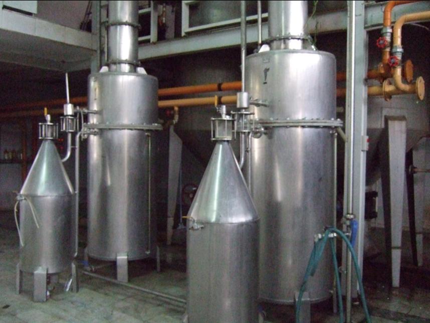 イランの蒸留工場