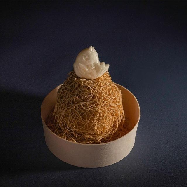 絹糸和栗のモンブラン