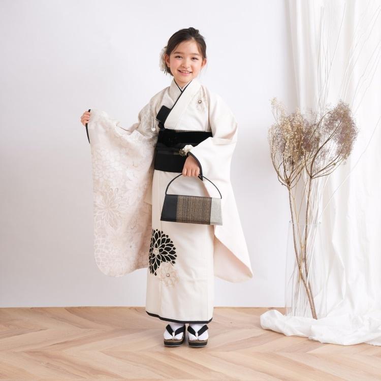品番 1409601600 / 【レンタル品】 JAPAN STYLE 七五三 女児 7歳 着物セット 日本製 レトロモダン系 花 白系(画像)
