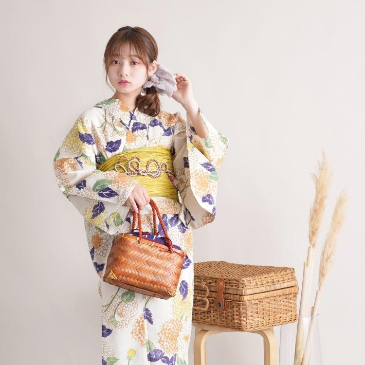 品番 5000025200 / utatane 浴衣単品(F)古典柄 レトロ アンティーク系 菊 アイボリー系(画像)